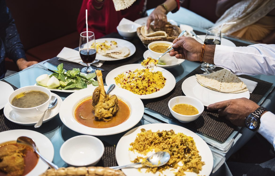 Basic Etiquette for Dining Indian